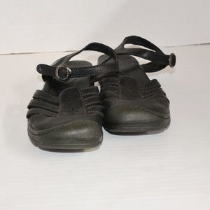 Keen Sandals Size 8.5